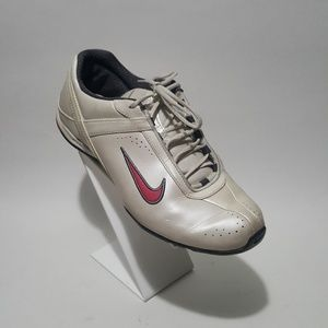 Nike Air tennis shoes  Women US 8  White and red